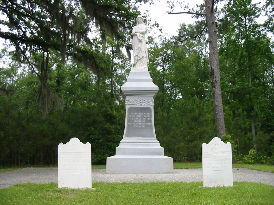 MCReek-women's monument