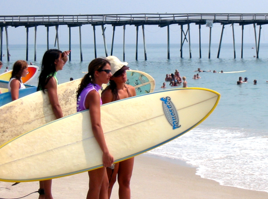 GIRLS WITH BOARDS