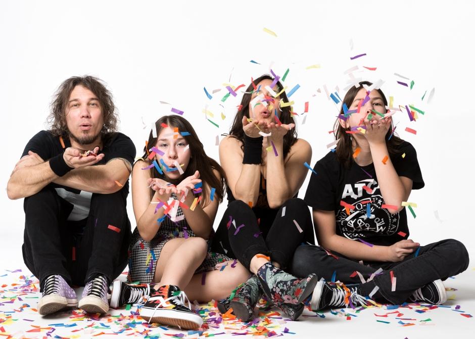RocknRoll Hi Fives press photo